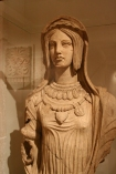 etruscan woman statue