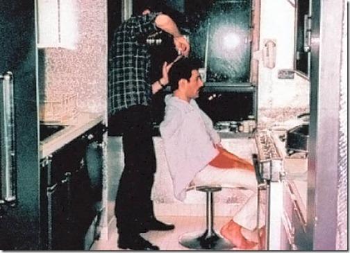 Il barbiere nella casa newyorkese di Freddie